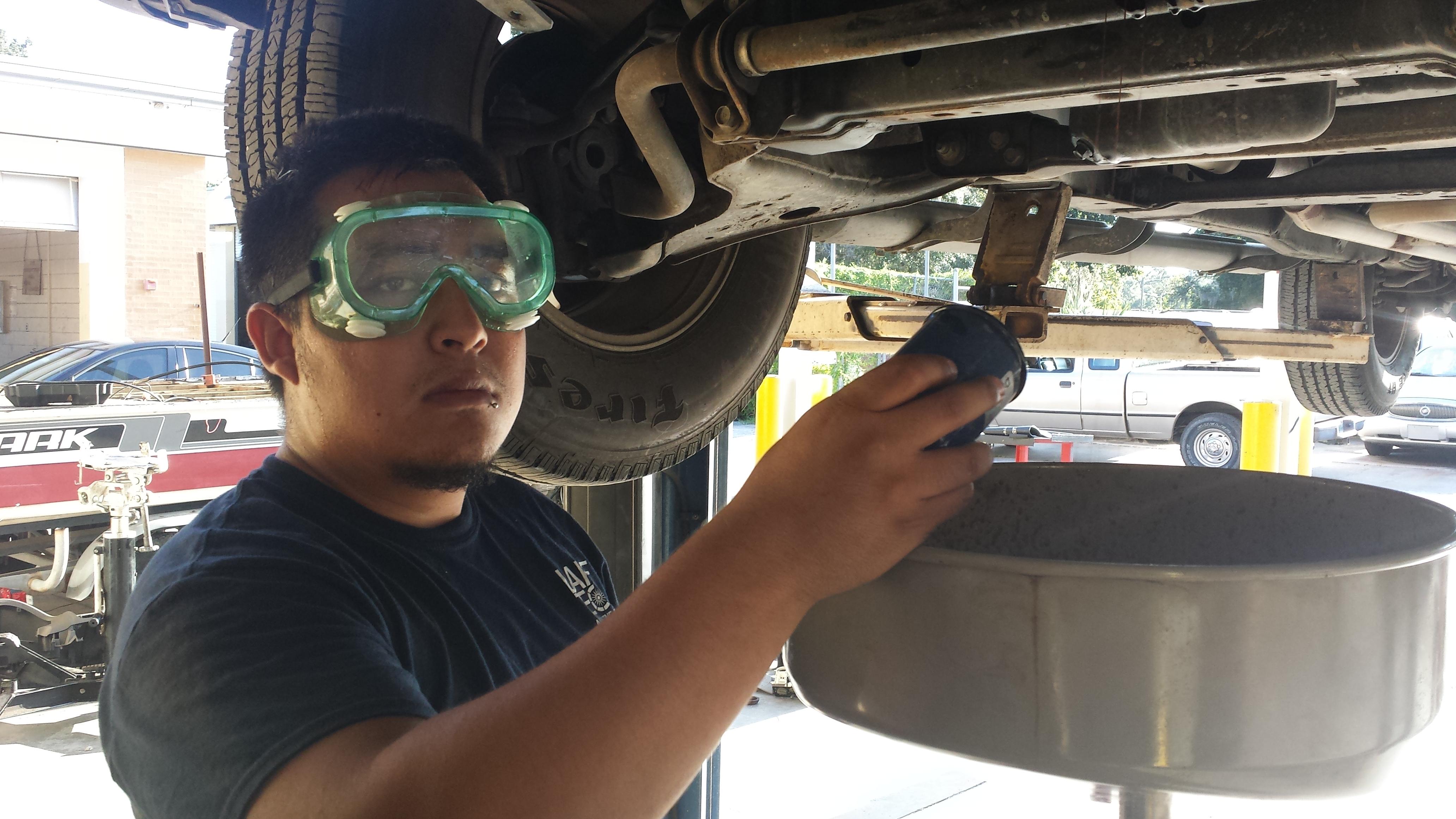 20140829 083803 friday update lube tech job description - Lube Technician Job Description